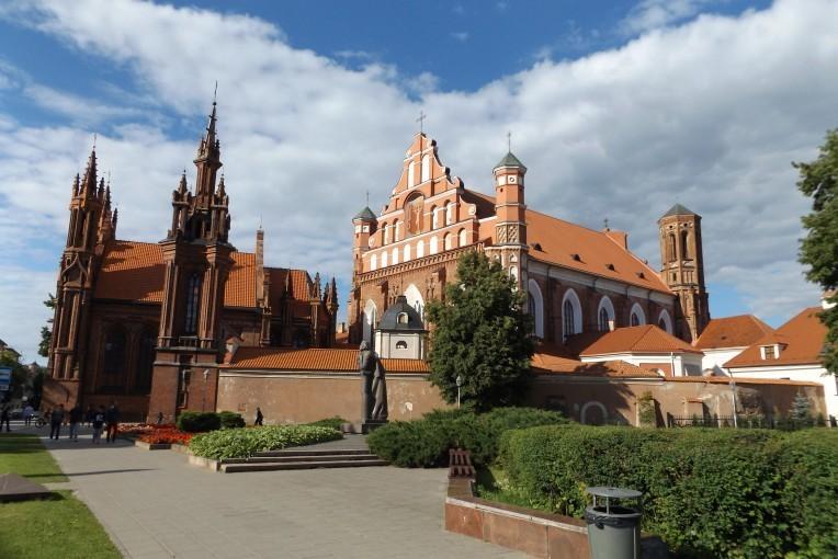Архитектурный готический комплекс костелов в Вильнюсе