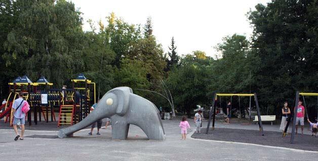 Детская площадка в парке Борисова