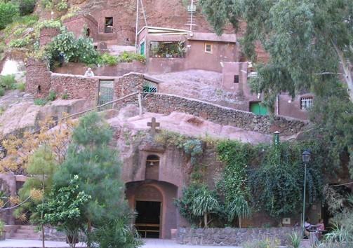 Церковь в пещере