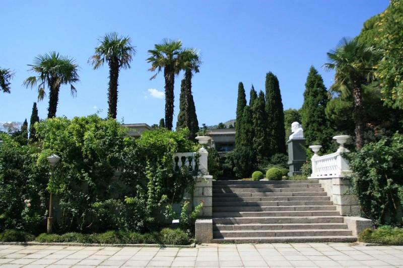 На территории Никитского ботанического сада