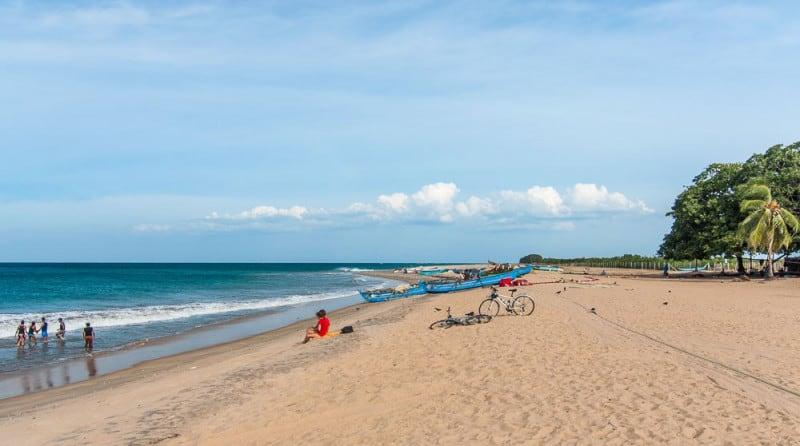 Пляж Шри-Ланки в сентябре