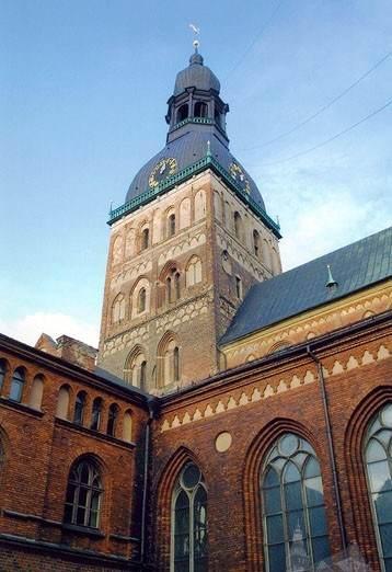 Фасад домского собора