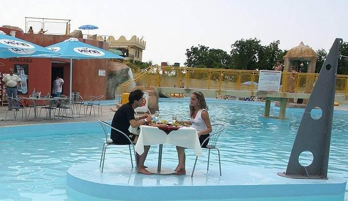 Островок для отдыха в аквапарке