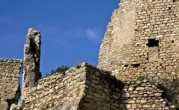 Готический замок Палафольс