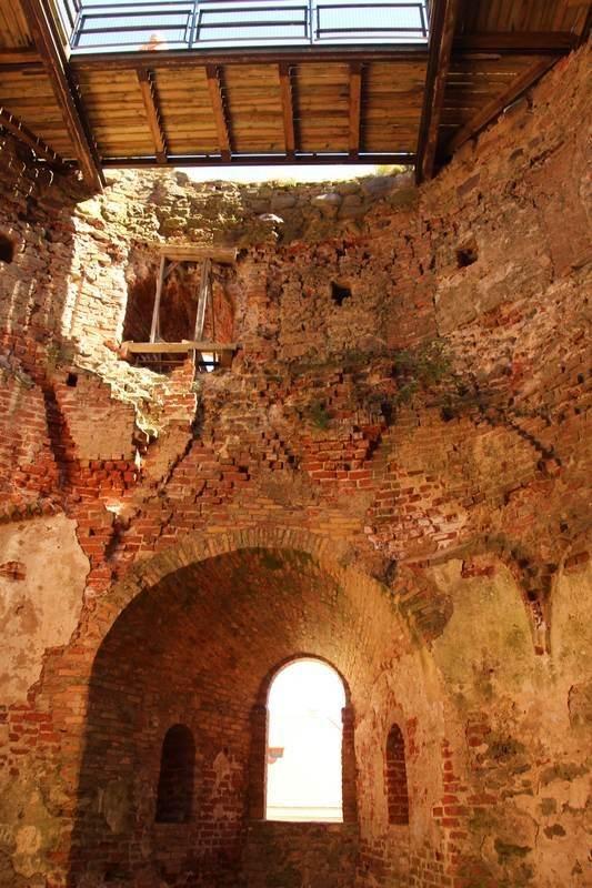 Основная башня замка внутри