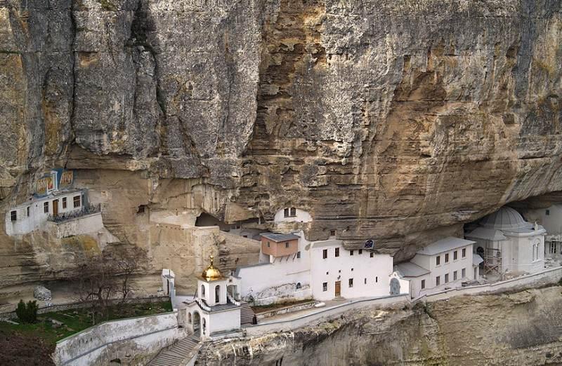 Монастырь в Бахчисарае