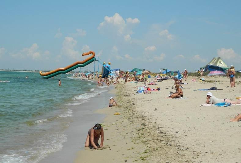 Дикий пляж в Заозёрном