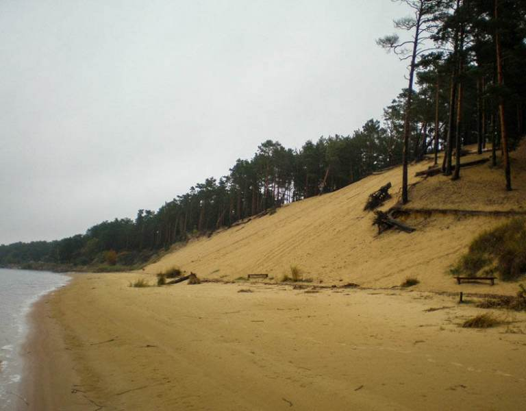 Склон белой дюны