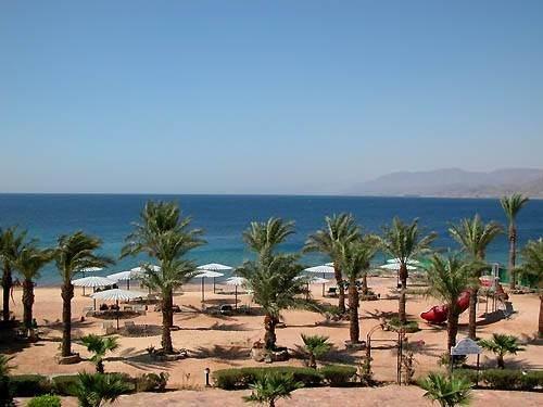 Пляжи отелей города