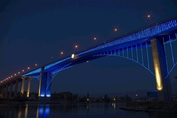 Аспарухов мост через канал между Черным морем и Варненским озером