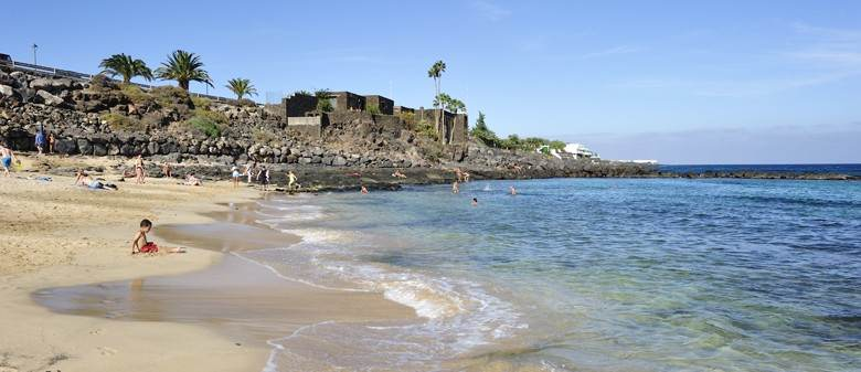 Пляж у отеля Be Live Family Lanzarote Resort