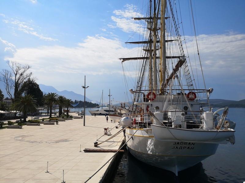 Корабли в порту
