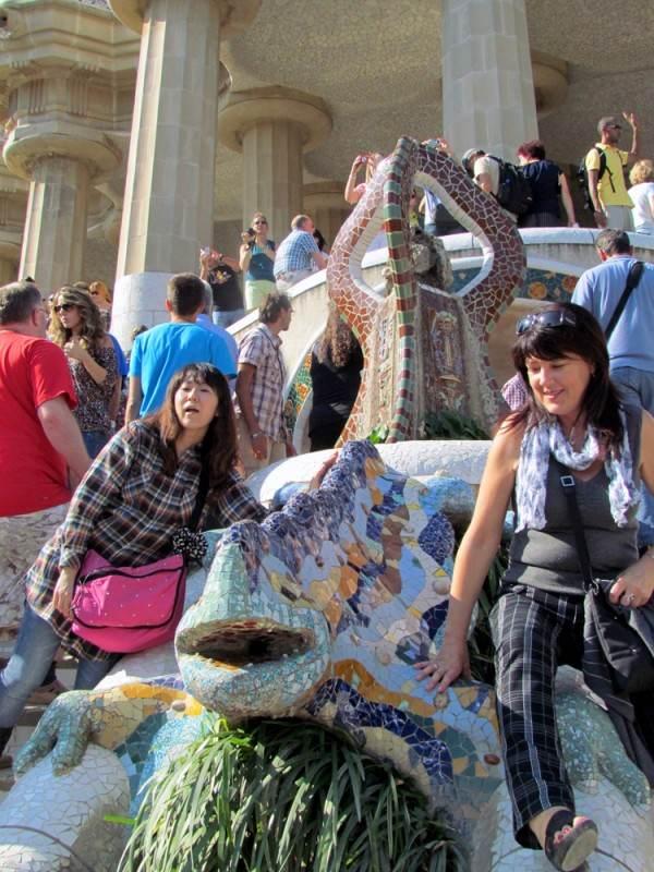 Ящерица - символ парка, с которой каждый норовит сфотографироваться