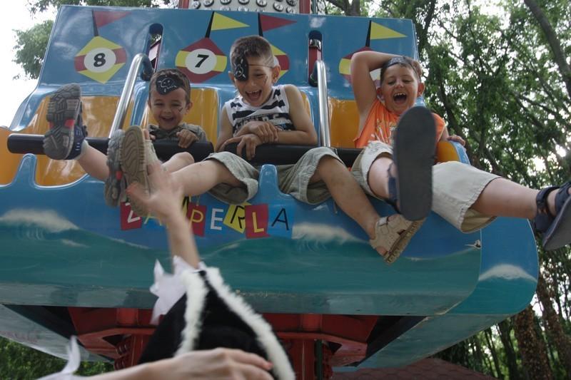 Развлечения для детей в луна-парке Солнечного Берега