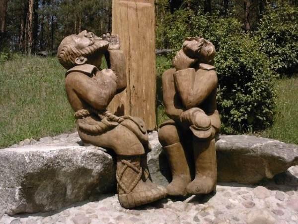 Скульптуры, сделанные мастером А.Чеснулисом