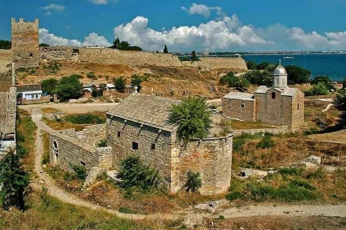 Старая Феодосия, церковь