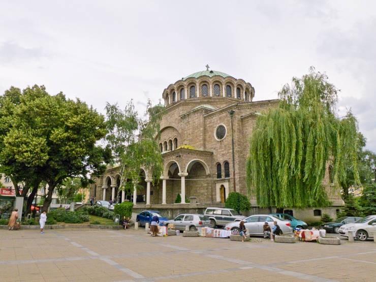 Здание собора Святой Недели