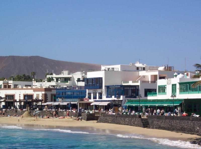 Плайя Бланка - променад и пляж