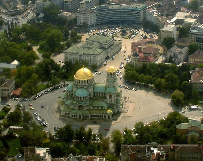 Храм-памятник Св. Александра Невского с высоты