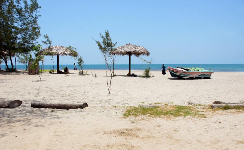 Пляж Джафна в начале осени