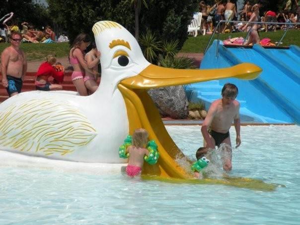 Детский бассейн и развлечениями