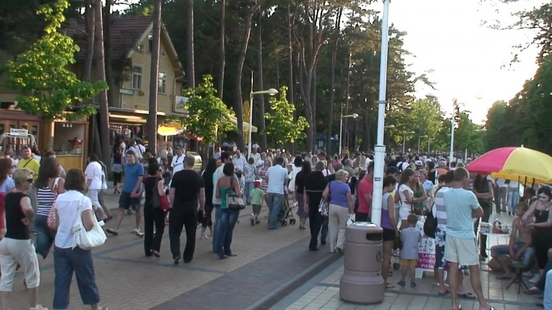 Улица Басанавичюса в Паланге