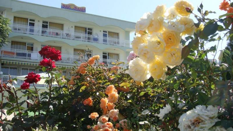 Розы и отель
