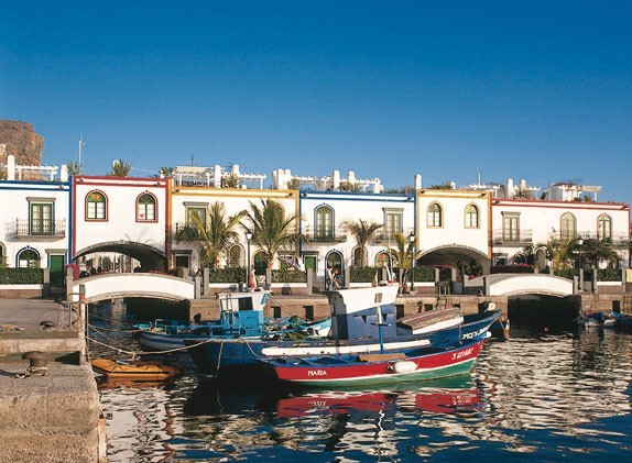 Порт Puerto de Mogan