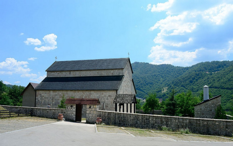 Храм при монастыре