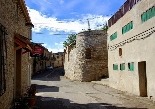 Средневековая крепость Монтпалау