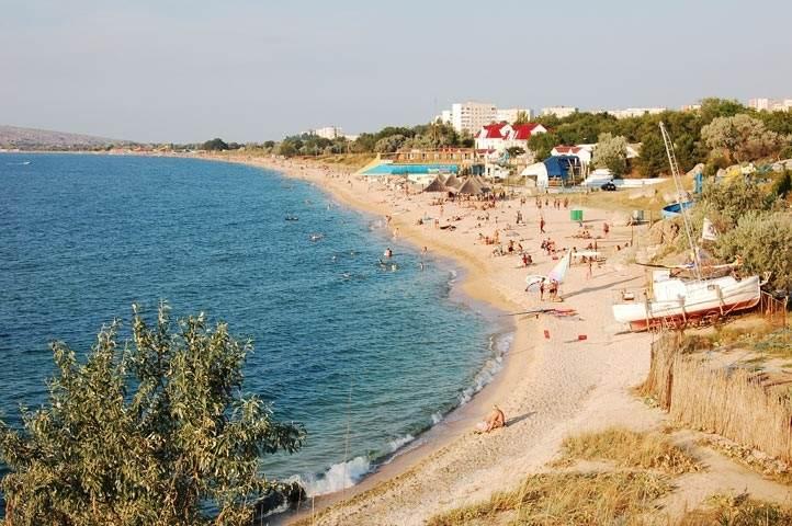 Щёлкино - небольшой городок для спокойного отдыха