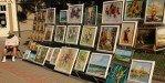 Торговля картинами местных художников