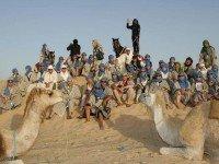 Групповое фото в пустыне