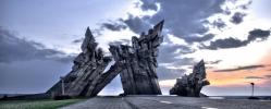 Мемориал, олицетворяющих незабвенную память о жертвах оккупации фашистской Германии