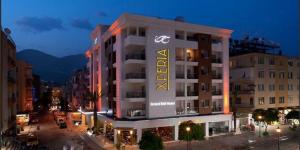 Grand Bali Hotel 4*
