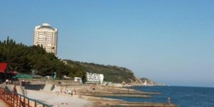 Пляж в селе Парковое