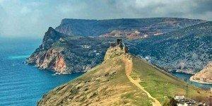 Разрушенная крепость Чембало