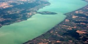 Озеро Балатон с высоты птичьего полета