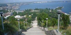 Вид на Керчь и порт с горы Митридат