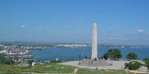 Обелиск Славы на вершине горы Митридат