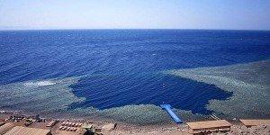 Голубая дыра (Blue Hole) вблизи Дахаба