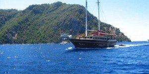 Прогулки на яхтах - главное развлечение города