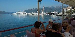 Морская экскурсия - вид на Тиват с моря