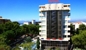 Hotel Playa de Oro Park 3*