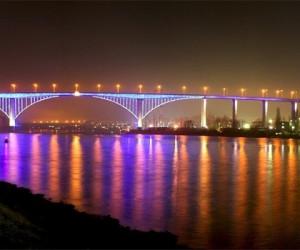 Аспарухов мост в ночное время