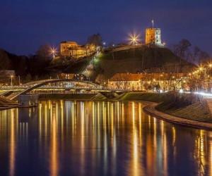 Ночной вид на башню Гедиминаса