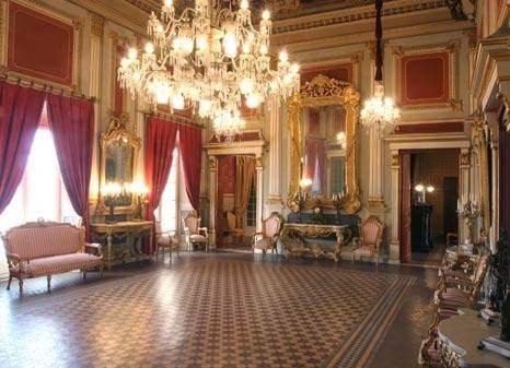 Дворец Кастелярнау