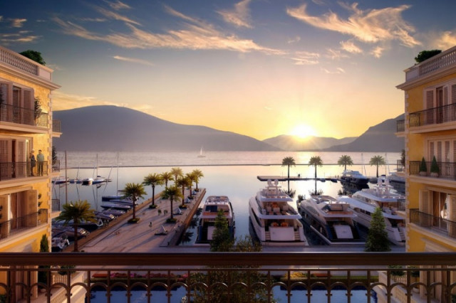 Тиват и порт Монтенегро