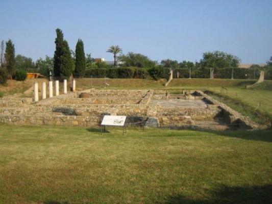 Руины римской виллы Торре-Льяуде