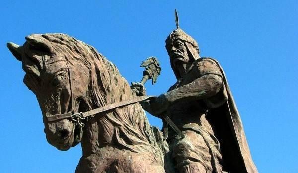 Памятник султану Алладину Кейкубаду